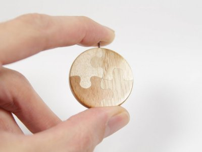 Pendant Puzzle Maple Beech Oak Ash 1.jpg