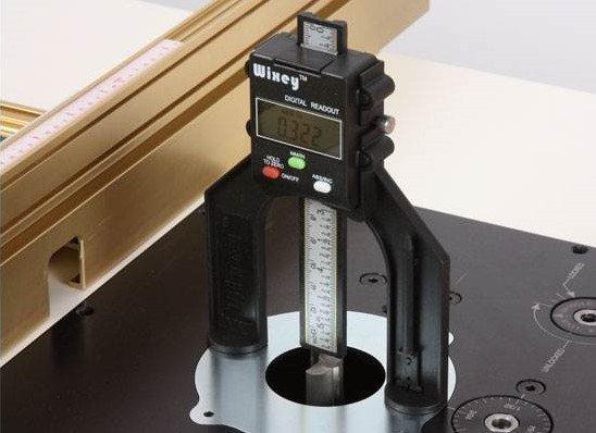wixey-mini-digitale-hoogtemeter-voor-freeswerk.jpg